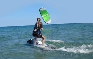 deutsche madchen lernen kitesurfen auf Malorca