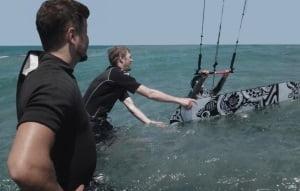 erste wasserstart auf Mallorca mit kitesurfing mallorca