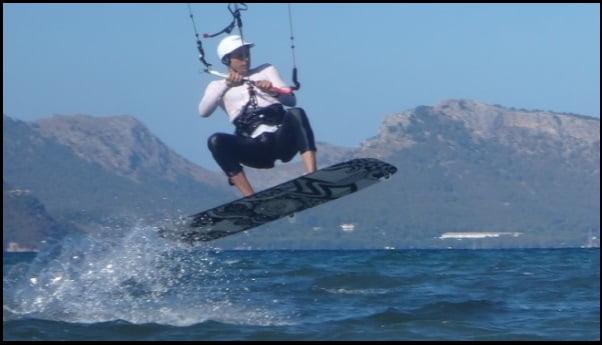 1 vuelve a saltar Eze kitesurfing mallorca
