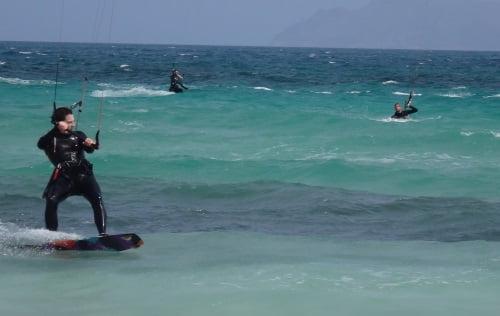 2 -si-le-vent-reste-comme-ça-est-bon école de kitesurf kitesurfing mallorca apprendre-le-kitesurf-en-juillet