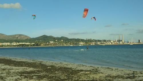 5 vent léger a Alcudia Marcel apprendre kitesurf en juillet