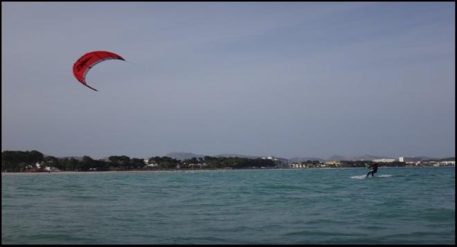 6 Ce cours de kitesurf 6 heures Martina, était un étudiant de kitesurf qualifié.