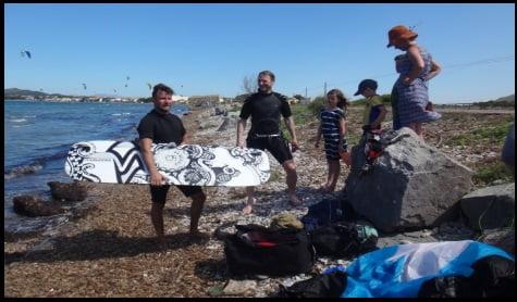 7 fin des cours de kitesurf Peter Hilde, la famille et le moniteur