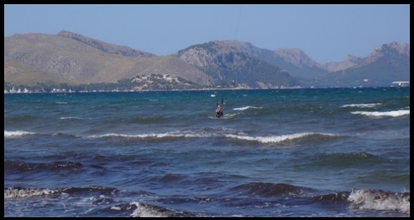 the kite flyes again kite course in Mallorca in April foil relauch