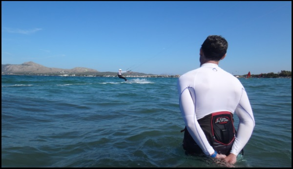 watching the progress kitesurfing lessons in Mallorca in June