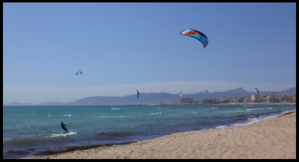wind of SW in Can Pastilla kite course in May in Mallorca