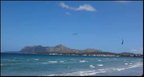 10 primero foto desde cerca aprender kitesurf en la escuela de Pollensa