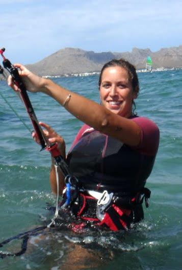 13 la bella Bea ha aprendido kitesurf en Mallorca con la Asociacion Aprende a Navegar