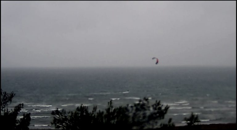 2 to-be-of-despairing-pa-this-kitesurfing-sensation-thermal-5-degrees-
