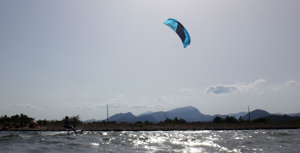 3 kite lessons Sa Marina with Oriol kite course in June Pollensa Bay