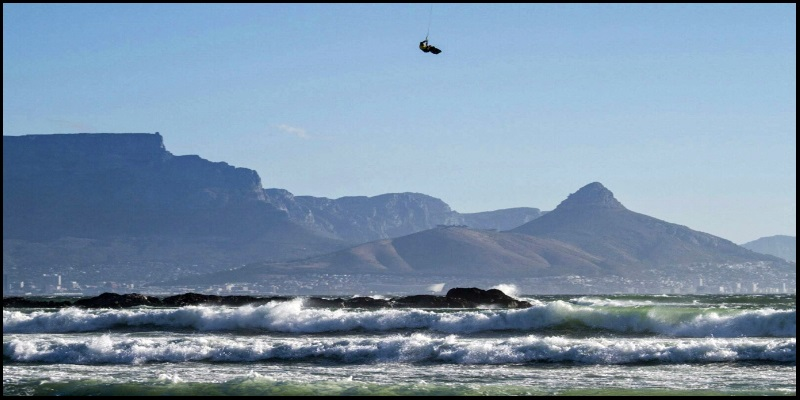 4 Kevin Langeree und Ruben Lenten kitesurfen auf Cap Stadt Mallorca kiteschool report