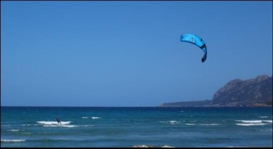 7 curso de kite en aleman caroline lejos en la bahía de Pollensa