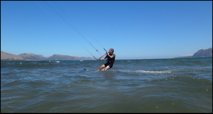 6 Roberto-part-kitesurf-at-good-speed-in-August