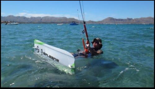 Le premier cours de kitesurf waterstart de deux jours à Majorque en juin