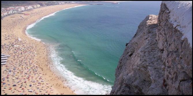 du cotè gauche de la vague c'est la plage