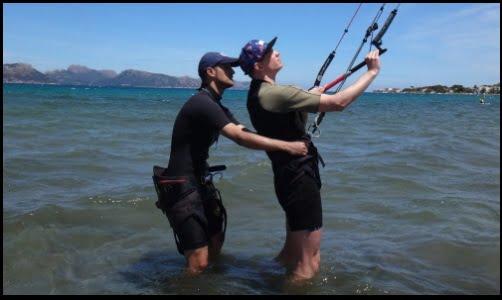stefan-premier-jour-avec-kitesurf-leçons-kitesurfing mallorca-majorque