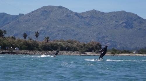 10-foto-proxima-cursos-de-kitesurf-en-Mallorca-Agosto-viento-en-Mallorca