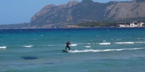 14-bahia-de-Pollensa escuela-de-kitesurf-en-Palma Christian por fin aprender kite