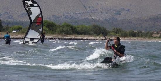 17 clases de kite aprender en mallorca con Daphne