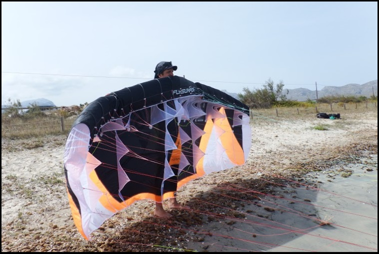 2 kite school in Mallorca with Peak 6 mts from Flysurfer