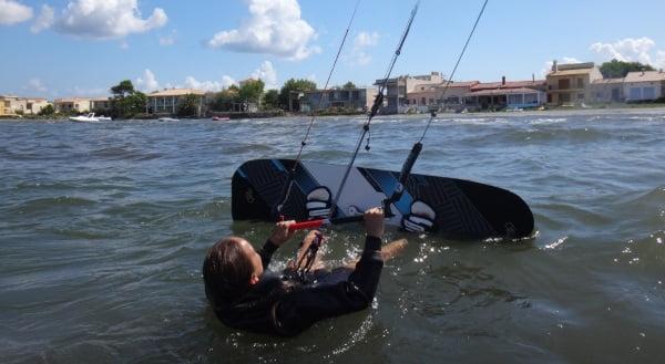2 preparada para el waterstart kitesurfing mallorca