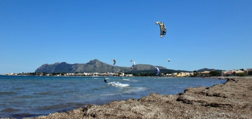 2 the fleet starts awaking some kites on the air