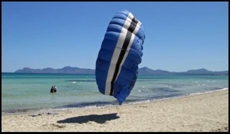 3 curso aprender a bajar kites en Mallorca en Julio