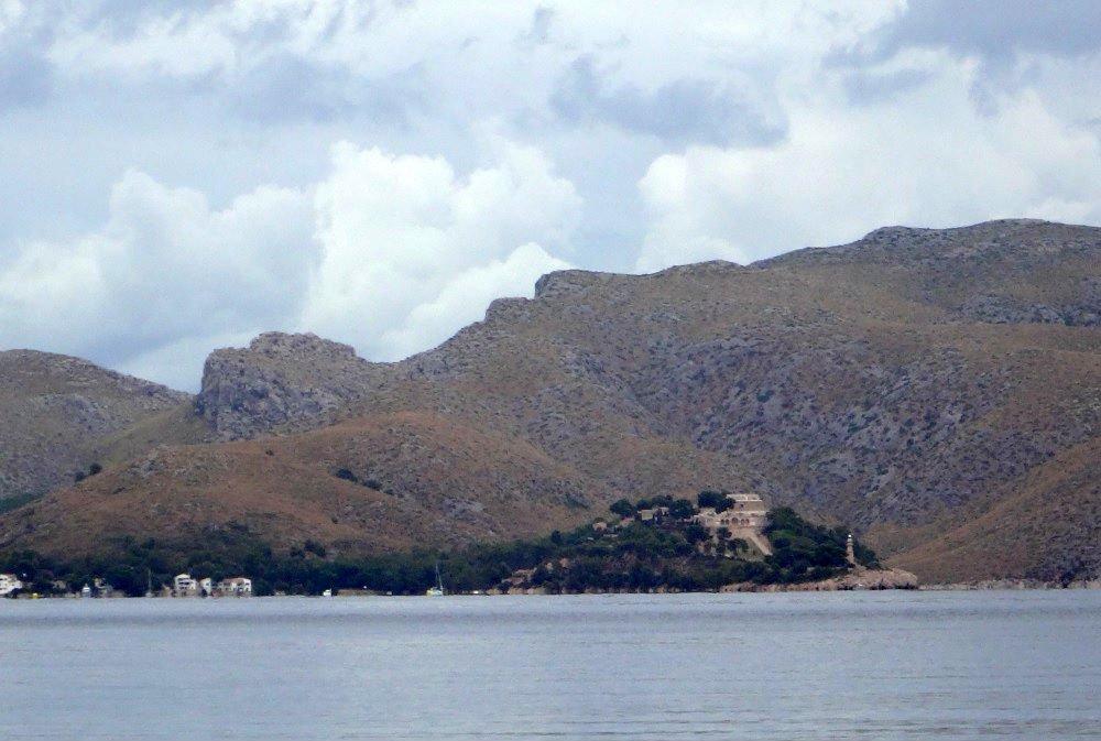 3-la-fortaleza-kitesurfen-mallorca-al-otro-lado-de-la-Bahia-de-Pollensa