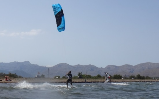4-Daphne up on the kiteboard kite lessons Mallorca