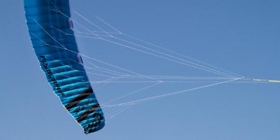 Le tissu sous le kitefoil est le DLX