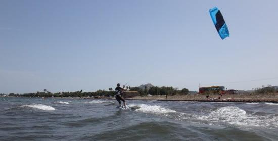 5-cross-the-small-surf kitesurf à Majorque