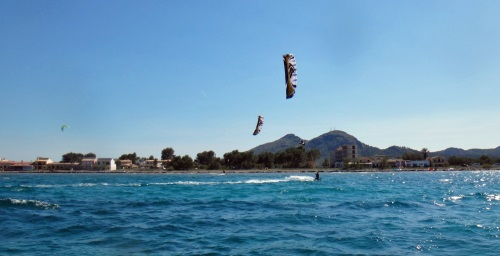 5 learn kitesurfing with Speed 3 Mallorca lite lessons