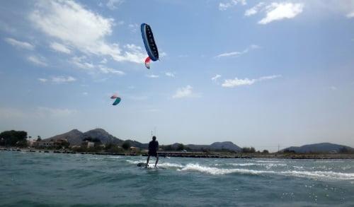 6 clases de kite en Palma de Mallorca Flysurfer