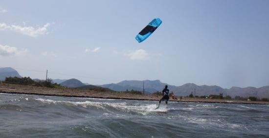8 Sa Marina kitesurfen anfängerin nicht zu verlieren und die minimale Brise