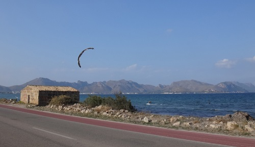 Carlos in the distance kite course Pollensa kite mallorca