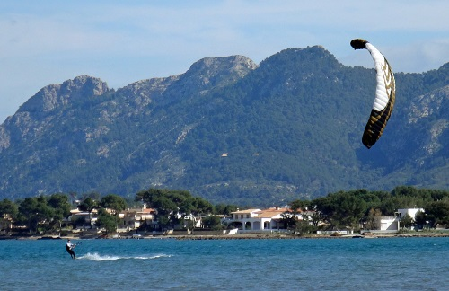 best low wind kite ever in Mallorca with kitesurfing mallorca com