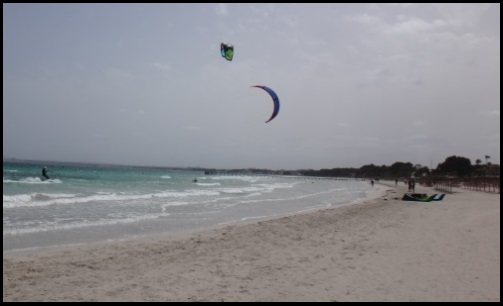 kitesurfing mallorca l'un d'entre eux avait 14 mts et un autre de 16 mts