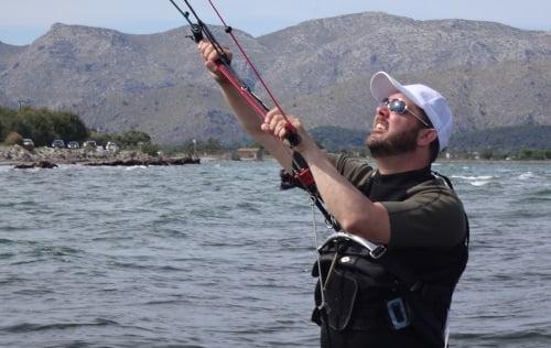 4 curso de kite en Alcudia con kites Flysurfer Peak