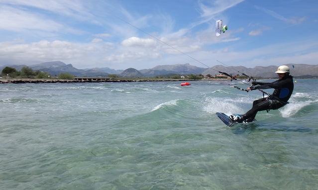 perdiendo velocidad justo antes del accidente de kitesurf en Mallorca