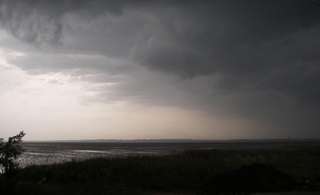 006 la tormenta llega