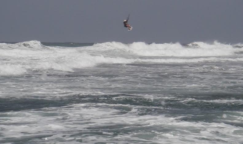 el autor kitesurfen mallorca edmkpollensa kiteschool kiteblog wind in mallorca