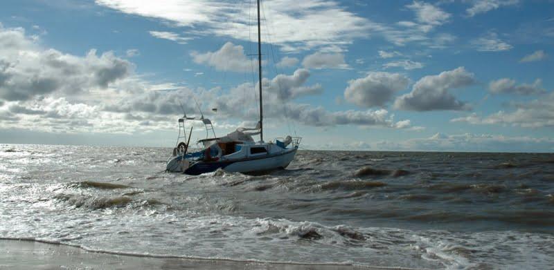14 kitesurf en Ucrania velero en la playa de Sopino