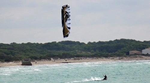 2 Sa Rapita kitesurf en Abril Flysurfer 21 mts