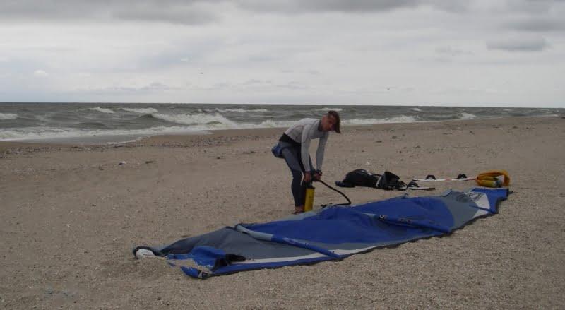 29 hinchando el tubo kite-kitesurf en Ucrania blog de mallorca kiteschool