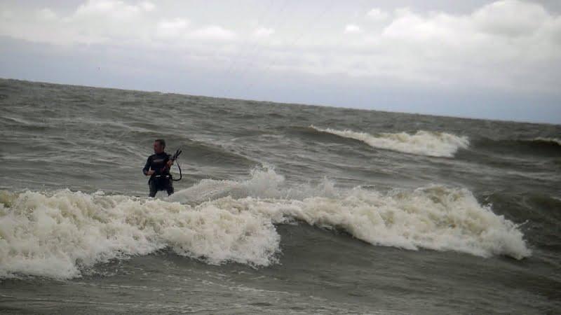 32 kitesurf en olas en Ucrania blog Mallorca kiteschool