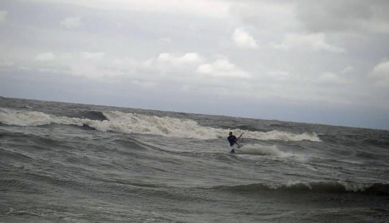 33-kitesurf en Ucrania la tormenta
