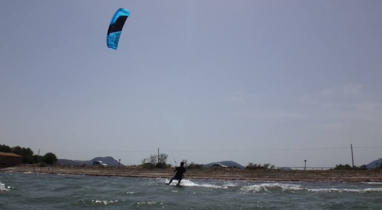 7 Portblue kitesurfing club Mallorca kite lessons in June