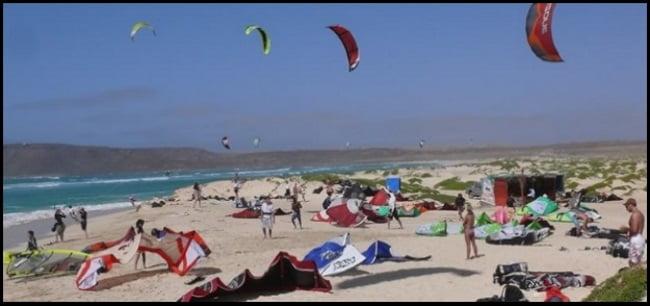 guarda la distancia de seguridad al levantar tu kite