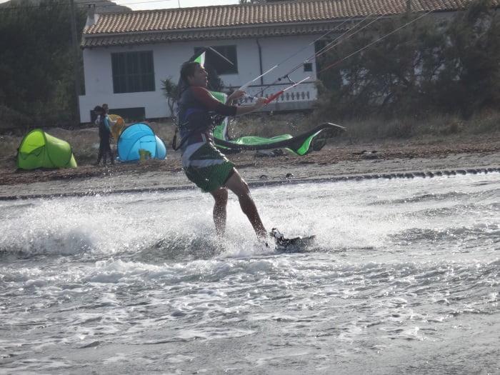 11 cambiando de dirección - kitesurf en Sa Marina