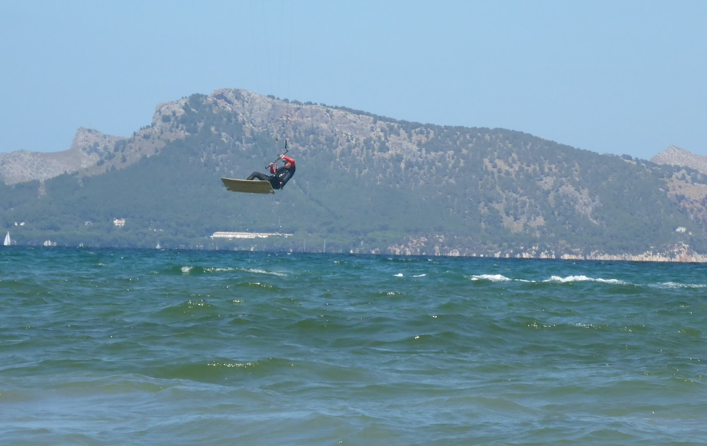 kitesurf en Pollensa Jonay salta